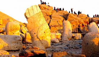 Nemrut Dağı Gezisi ve Efsanesi